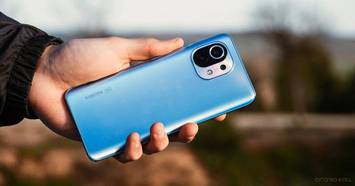"""En Lituania cunde el mensaje de """"deshazte de los celulares chinos"""""""